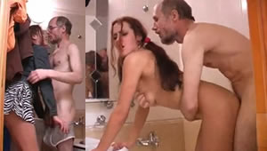 Daughter helps bathe his father and ends in sex