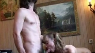 Real incest of a father who records his daughter in full sex